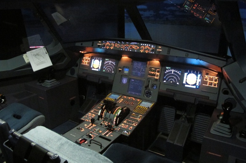 0011 A320 Pilot Booth Simulator